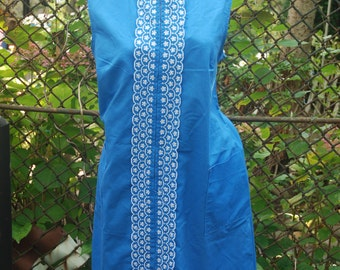 Vintage 1960s Blue Embroidered Shift Dress Summer Muumuu House Dress L/XL