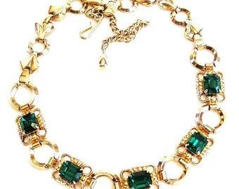 Emerald Green Glass Necklace Retro