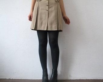 60s mini skirt. pastel taupe skirt. pleated mini skirt - xs