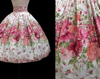 Vintage 1950s Lush Blooming Floral Garden Pleated Waist Full Cotton Skirt XXS