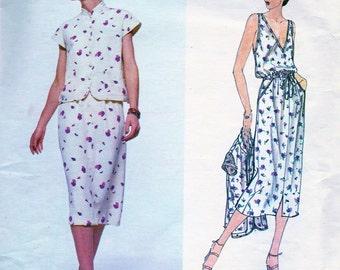 UNCUT * Vintage 1970s  Designer VALENTINO  Skirt, Jacket and Top Pattern * Vogue Designer Original Pattern 2171 * Bust 32.5