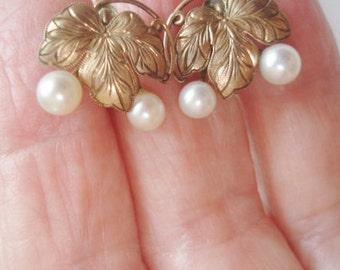 Pearl 10K Yellow Gold Screw Back Earrings