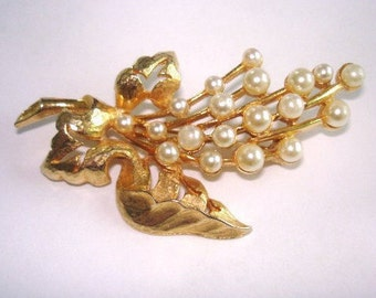 Leaf Pearl Gold  Tone  Brooch