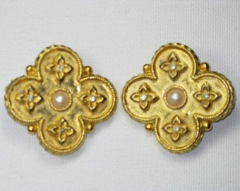 Vintage Very Large Gerard Yosca Gold Tone Faux Pearl Clip Earrings (E-2-4)