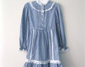 Vintage Children's 70s prairie dress / flowered meadow girls blue dress