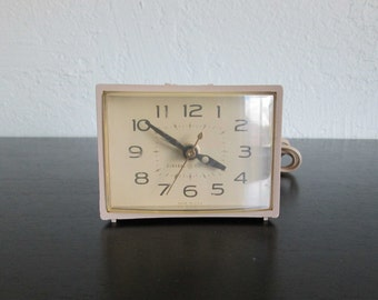 GE General Electric Vintage Electric Alarm Clock with Snooze Bar Model 7300