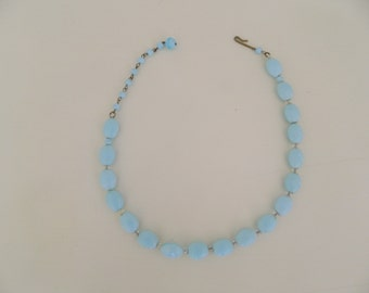 1950s blue glass bead necklace