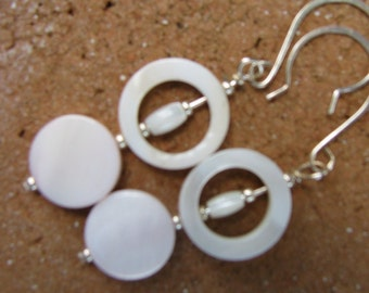 Creamy mother of pearl circle earrings, classic, matches everything