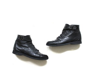 Vintage Ankle Boots 7 / Black Leather Boots / Buckle Boots / Lace Up Booties