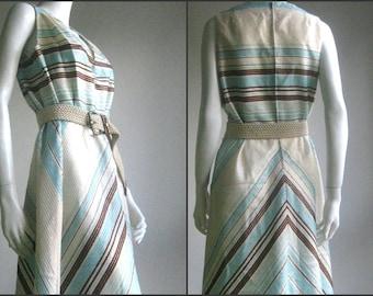 SALE SALE 70s vintage chevron party dress
