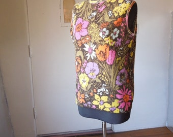 Vintage 60's Floral Sweater, Sleeveless Knit Tank with Bold Flowers, Hot Pink, Olive Green, Orange, Yellow, White, Size Medium