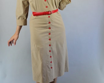 Vintage 80s does 40s Women's Light Brown Beige Cotton WW2 Style Shirtdress Street Style Day Dress Wear to Work Dress
