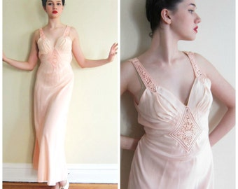 Vintage 1930s Nightgown in Bias Cut Peach Rayon Satin Crochet Lace / 30s Yolande Negligee Slip Dress in Pink / Small