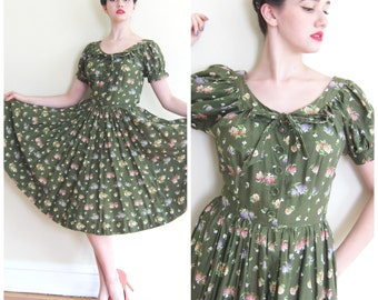 Vintage 1950s Floral Print Green Dress McArthur / 50s Short Sleeved Summer Shirtress Full Skirt / Small