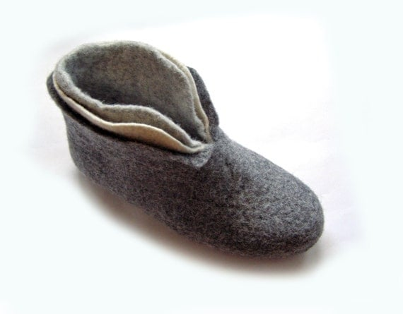 Gift for her Christmas gift Felted wool slippers / house shoes for women Felted shoes Grey