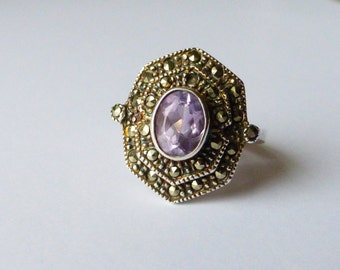 VINTAGE STERLING Oval AMETHYST  8 Sided  with  Marcasites   Ring   Sz   9