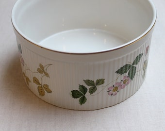 "Wedgwood Wild Strawberry (Bone) 6.5"" Oven to Table Souffle, Fine China Dinnerware"