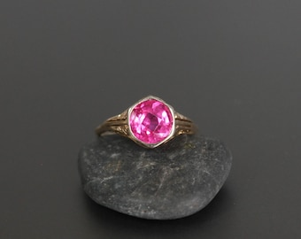 Vintage Synthetic Ruby Ring in 10k Yellow Gold, size 6