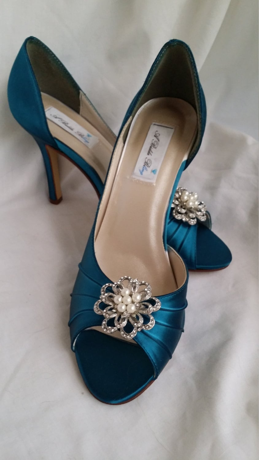 wedding shoes teal bridal shoes with sparkling crystal and