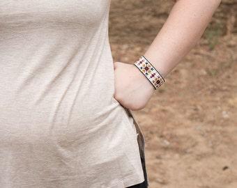 Seed Bead Bracelet - Beaded Jewelry - Women's Bracelet - Native American Bead Bracelet - Bead Loom Bracelet - Boho Bead Bracelet