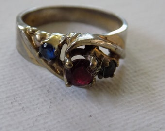 Vintage ring, signed Tradition GEP sapphire,ruby , and emerald glass crystal size 8 ring,dinner ring