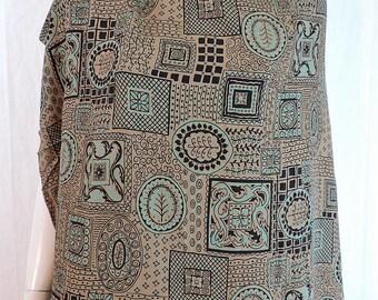1940s Vintage Rayon Print Dress Fabric 3 Yards Plus