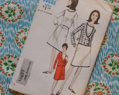 Vintage 1960s Sewing Pattern / VOGUE / Smart Stylish Mod Skirt Suit / Size 14 - 34 Bust / UNCUT FF
