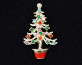 Vintage Rhinestone Christmas Tree Brooch with a Pearl Topper