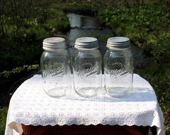 3 Mason BICENTENNIAL Quart Jars w/Zinc Lids ~ PATRIOTIC Decor ~ 4th of July ~ Memorial Day ~ Farmhouse Decor ~ Insurance with Shipping
