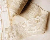 vintage lace trim - ivory floral ribbon - 1940s 1950s - 91.5 inches - 2 inches wide
