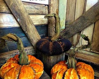 Primitive Velvet Pumpkins |Velvet Pumpkins | Fall Decor | Halloween Pumpkins
