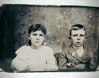 Tintype Unusual Horizontal Layout-Siblings-Possible Twins