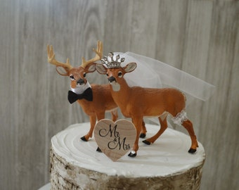 Buck-doe-bride-groom-princess-tiara-deer-white tail-hunting-hunter-camouflage-wedding-cake topper-wild life-nature-western