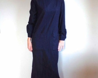 Vintage Navy Wool Shift Dress with Pockets and Long Sleeves // Womens Designer Wool Shift Career Dress Size Small