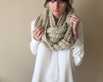 Giant Knit Infinity Circle Scarf, Chunky Oversize Knitted Cowl Scarf / Oatmeal Tweed / Wool Yarn