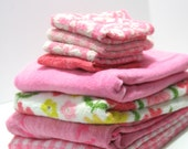 Vintage Mix and Match RETRO Towel Set Reversible Pink White bath towel Cannon Fieldcrest hand towels 8 pieces Camper RV Not Perfect