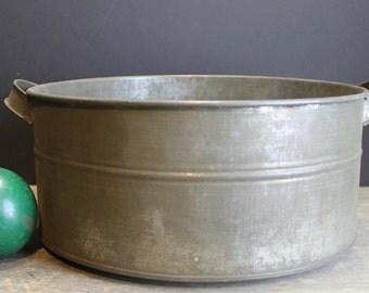 Vintage Metal Pan/Colander // Primitive Farm Kitchen Strainer