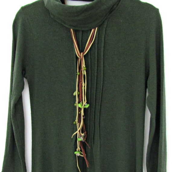 Leather String Necklace, Green Long Lariat, Forest Jewelry, Stone Wear