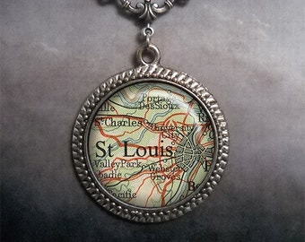 St. Louis vintage map necklace, St. Louis map necklace, map pendant necklace, charm necklace, map jewelry, map jewellery