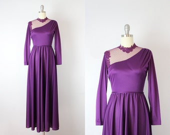vintage 70s purple plum maxi dress / 1970s jersey knit dress / lace mesh collar dress / asymmetrical collar dress / new victorian dress
