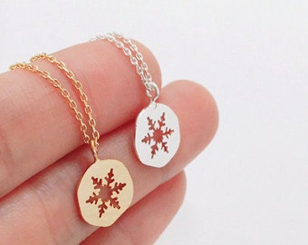 Snowflake Necklace, winter jewelry, simple Snowflake,best friend,tiny necklace, dainty