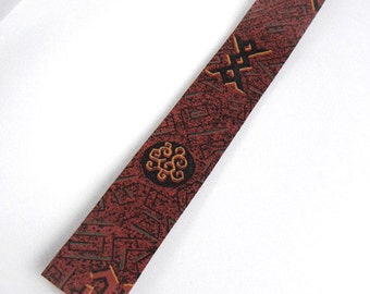 Mens skinny tie brick red rust orange & black patterned rayon with square bottom vintage from 1960s // necktie