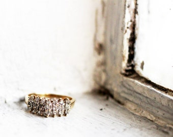Vintage 10K Gold Wedding Ring with 21 Tiny Diamonds in US Ring Size 6 3/4