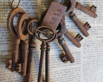 Set Vintage French Keys Rusty Skeleton Keys, S.A.T.M MUSSIDAN, Antique keys