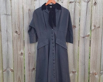 M Medium Vintage 50s Tailored Junior Black Mad Men Fit and Flare Button Up Ascot Short Cocktail Classic LBD Dress