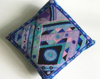 Vintage Needlepoint Decorative Pillow // Deco Design