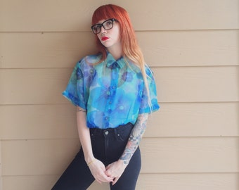 Sheer Floral Bright Teal and Blue Realism Daisy Print Button Up Oxford Shirt Top // Women's size Medium M