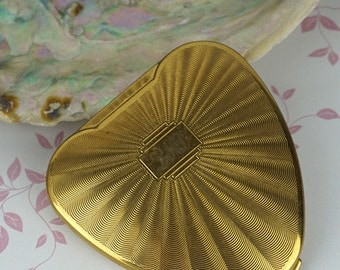 Kigu Ladies Heart Shaped Gold Tone Compact Cherie Vintage Ladies Accessory