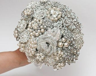 brooch bouquet, wedding bouquet, bridal bouquet, bridesmaids bouquets, wedding decor, brooch decor, brooch accessories, white wedding
