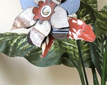 Rusty Metal Yard Art Flower, Red White, Indoor Outdoor Wall Art, Landscape Garden Stake, Recycled Salvaged Primitive Folk Shabby, 15-774
